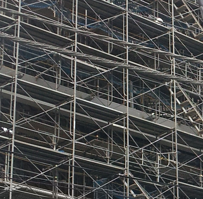 Close-Up of scaffolding and cables at a construction site - Toranomon, Aug. 7, 2013
